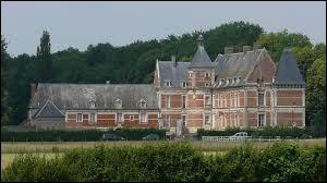 Nous partons dans le Beauvaisis à la découverte du château de Troissereux. Village des Hauts-de-France, il se trouve dans le département ...
