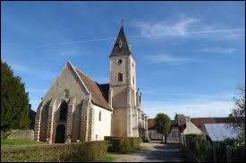 Voici l'église Saint-Pierre de Lanneray. Commune du Centre-Val-de-Loire, dans l'arrondissement de Châteaudun, elle se trouve dans le département ...