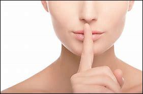 Comment appelle-t-on une conseillère secrète mais écoutée ?