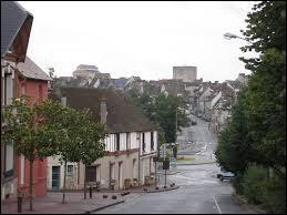 Ville francilienne, dans la Grande Couronne, Houdan se situe dans le département ...