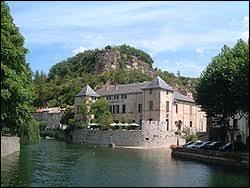 Je vous propose de partir en Occitanie à la découverte du château de Lunas. Commune de l'arrondissement de Béziers, au confluent du Gravezon, du Nize et du Dourdou, elle se situe dans le département ...