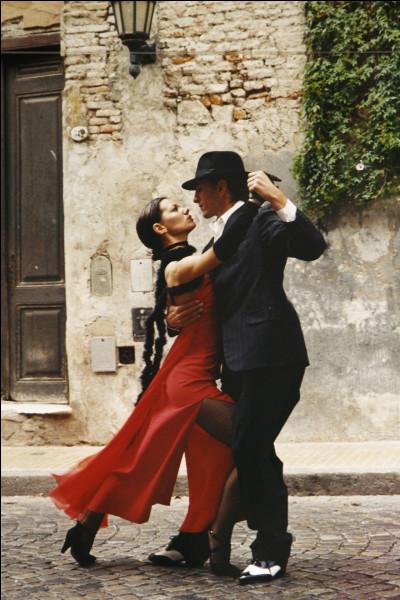 De quel pays le tango est-il originaire ?