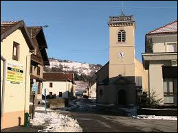 Je vous propose de commencer notre balade à Bussang. Commune du Grand-Est, où la Moselle prend sa source et où se trouve la station de sports d'hiver du Larcenaire, elle se situe dans le département ...