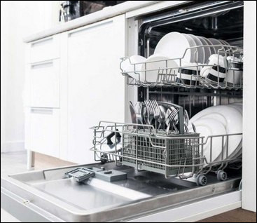 Voici un lave-vaisselle qui est un automate. Quel est le bon ordre pour laver correctement la vaisselle ?
