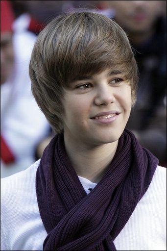 A quel place dans le classement Justin a-t-il fini lors de son premier concours de chant ?