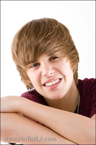 Quel est le nom complet de Justin Bieber ?