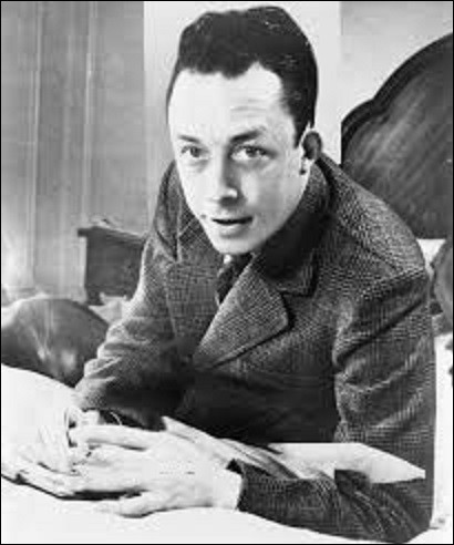 04 janvier 1960 : Fin de route pour Albert Camus qui s'écrase contre un arbre dans sa Facel-Vega près de Petit- Villeblevin, dans l'Yonne. En quelle année cet écrivain a-t-il reçu le prix Nobel de littérature ?