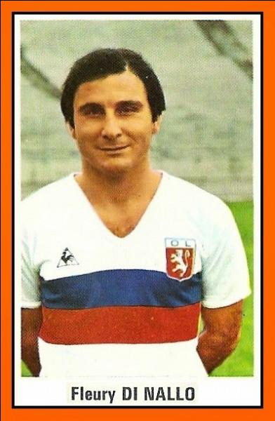 De quelle nationalité le footballeur Di Nallo était-il ?