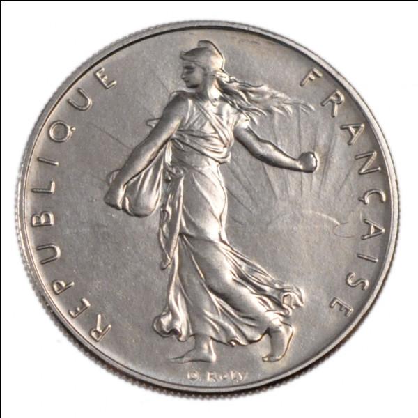 Côté face d'une pièce de monnaie ou d'une médaille :