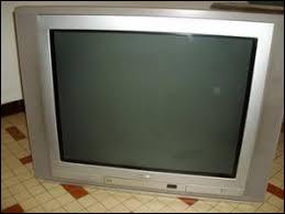 """Cette chaîne fut lancé par le groupe TF1 en octobre 2006 et arrêté en janvier 2008. Elle se disait la chaîne """"100 % jeux"""". Il s'agissait de..."""