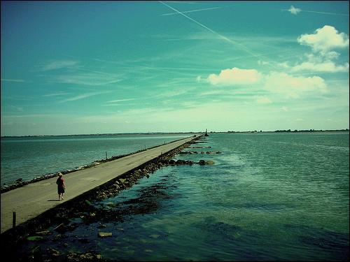 La Passage du Gois relit à marais basse le continent à l'île...
