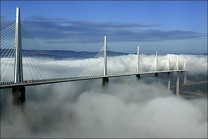 Plus haut pont du monde, il s'agit du Viaduc de...