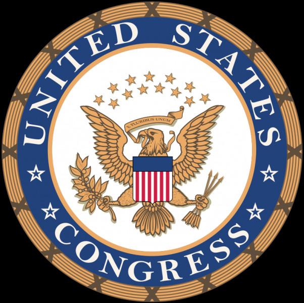 Pendant combien d'années préside-t-il le comité judiciaire et criminel de la chambre haute du Congrès ?