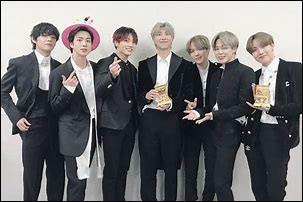 De combien d'awards le groupe BTS a-t-il été récompensé ?(Janvier 2021)