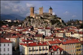 Quelle ville est la préfecture du département de l'Ariège ?