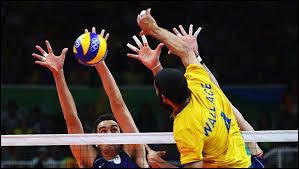 En quelle année le volley-ball fut-il inscrit au programme des Jeux olympiques ?