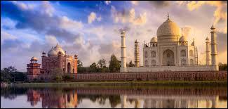 Quel homme est considéré comme le premier Européen à arriver aux Indes ?