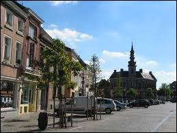 Qui a vu le jour à Lessines dans le Hainaut ?