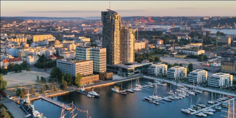 Dans quel pays la ville de Gdynia est-elle située ?