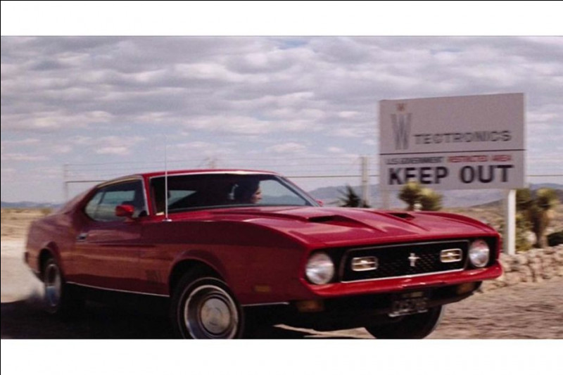 """""""Les Diamants Sont Éternels"""" (1971) > Changement de décor et de voiture pour un tournage au USA."""