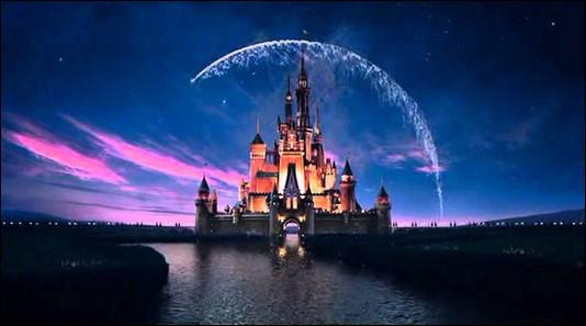 En quelle année est sorti le 1er long métrage de Disney ?