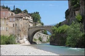 Le pont romain de Vaison-la-Romaine est vieux de 2 000 ans. Quelle rivière enjambe-t-il ?