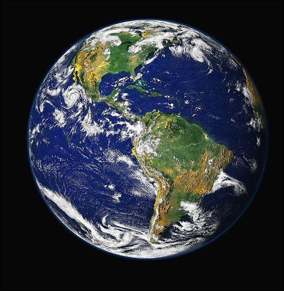 P.Louis affiche une image de la Terre vue de l'espace sur son profil ! Quels sont les continents visibles ?