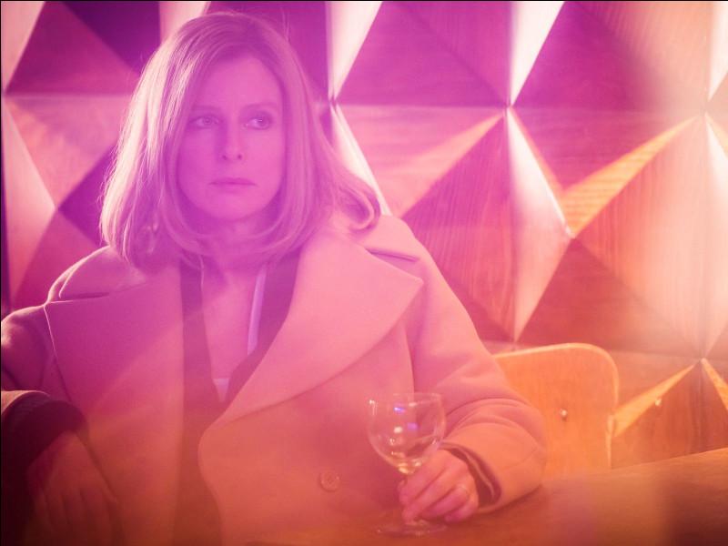 Dans ce film, Eve Monlibert est prête à tout pour garder son statut et sa réputation. Quel est ce film ?