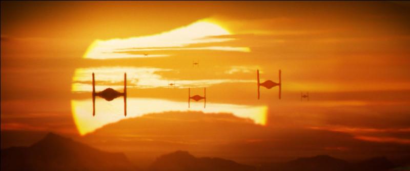 Autre source de cadeaux : Star Wars. L'univers de George Lucas m'a passionné comme tant d'autre gamins. J'avais d'ailleurs reçu un sabre laser vert. Parmi ces personnages lequel n'a pas de sabre laser vert ?