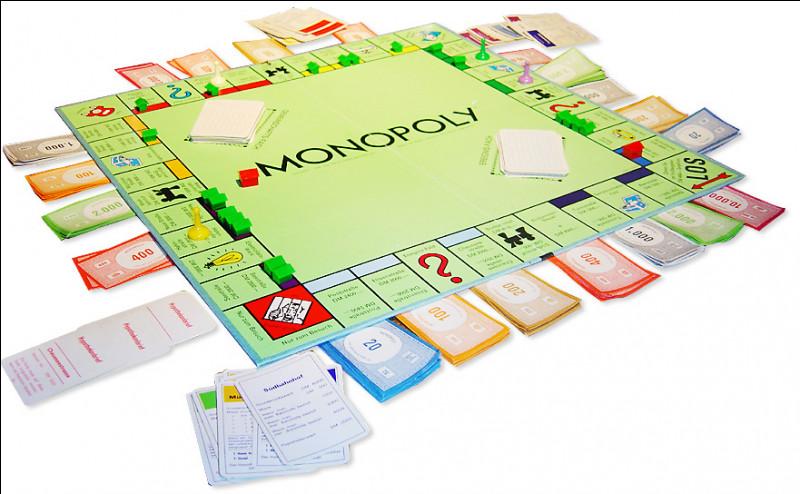 Les jeux de société occupent une place importante dans mes cadeaux, rien de mieux qu'un bon Monopoly en famille. Quelle ville occupe la place de la ville la plus chère du plateau sur Monopoly France ?