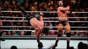 Qui détient le record d'élimination dans un match Royal Rumble ?