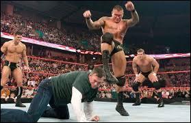 """Comment se nomme la deuxième prise de finition de """"Viper"""" Randy Orton ?"""