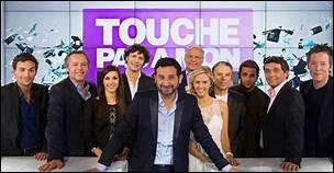 """""""Touche pas à mon poste"""" a été diffusée, avec des écrans représentant les spectateurs, en direct de chez eux. Lequel de ces youtubeurs a pu apparaître durant l'automne 2020 dans l'émission ?"""