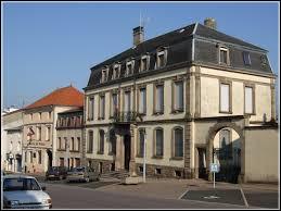 Je vous emmène dans le Grand-Est, à Château-Salins. Ville du Saulnois, elle se situe dans le département ...