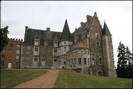 Je vous propose de partir dans le Centre-Val-de-Loire à la découverte du château de Courtalain. Commune de l'arrondissement de Châteaudun, elle se situe dans le département numéro ...