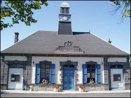 Commune d'Auvergne-Rhône-Alpes, dans l'arrondissement de Riom, Giat se trouve dans le département ...
