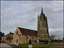 Voici l'église Saint-Martin de Réveillon. Village normand, dans l'arrondissement de Mortagne-au-Perche, il se situe dans le département ...