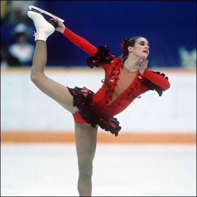 Lors de quels Jeux olympiques Katarina Witt a-t-elle remporté sa première médaille d'or en patinage artistique ?