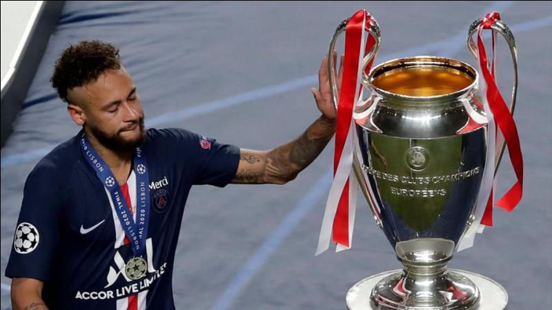 Contre quelle équipe le PSG s'incline 1-0 en finale de Ligue des champions ?
