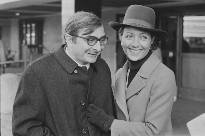 Claude Chabrol a vécu, à partir de 1959, avec cette actrice ; ils ont ont eu un fils, Thomas, en 1963, et se sont mariés l'année suivante. Ils ont divorcé en 1982. Elle tourne avec lui plus de vingt films. Quelle est cette actrice ?