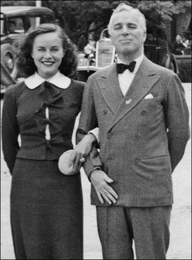 """Elle rencontre Charlie Chaplin en 1932 ; elle est ensuite l'actrice des """"Temps modernes"""" et du """"Dictateur"""". Ils se marient en 1936 et divorcent six ans plus tard. C'est ..."""