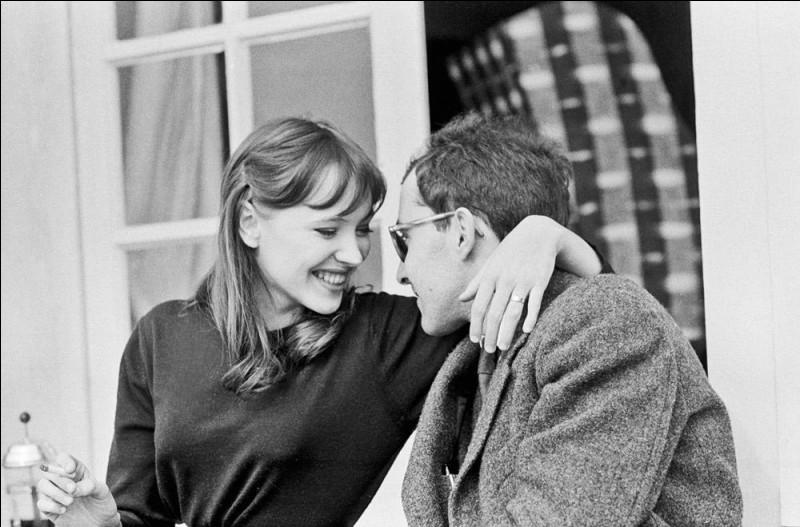 """Elle tourne dans plusieurs films au début des années 60, rencontre et épouse Godard ; elle est son égérie, jouant dans sept films dont """"Pierrot le Fou"""", """"Bande à part"""", """"Vivre sa vie"""". C'est ..."""