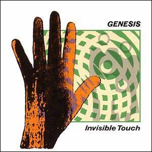 Avant qu'il ne prenne la place de Peter Gabriel au chant, de quel instrument jouait Phil Collins au sein du groupe Genesis ?