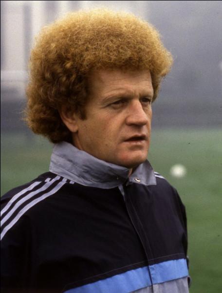 Robert Herbin, mort le 27 avril 2020, footballeur, a accompli toute sa carrière de joueur puis d'entraineur dans une équipe :