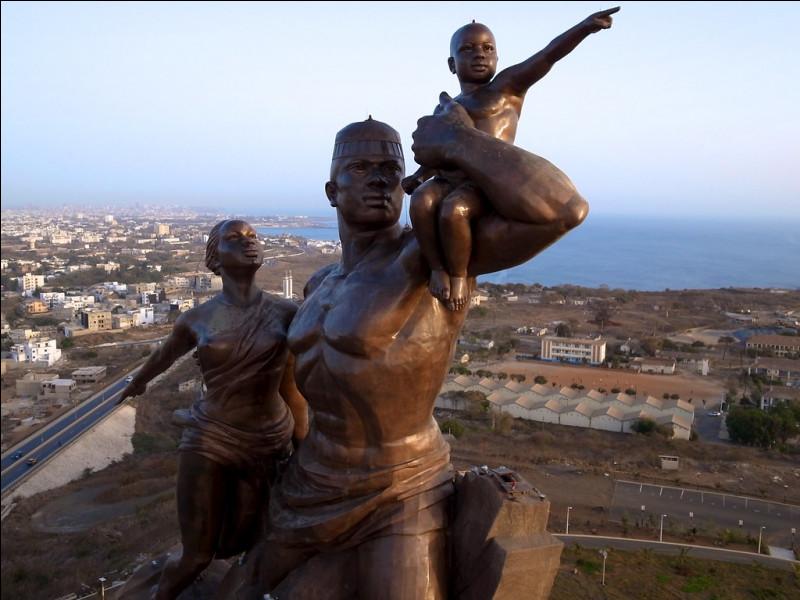 Dans quel pays peut-on admirer le Monument de la Renaissance africaine ?