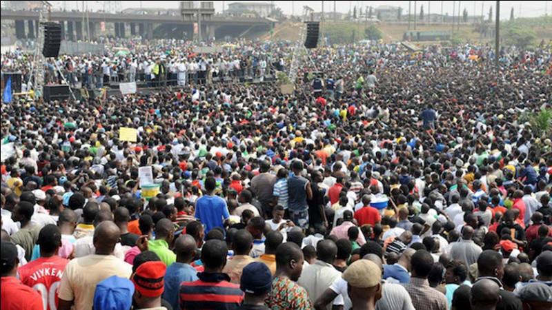 Quelle est la population totale de l'Afrique ? (approximativement)