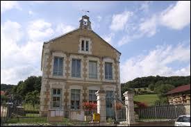 Petit village Ardennais de 40 habitants, Omicourt se situe en région ...