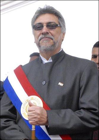 """Avant d'être président du Paraguay (2008-2012) et sur orbite politique, Fernando Lugo fut plutôt """"urbi et orbi"""" : c'est à dire ?"""