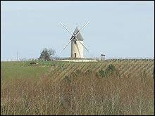 Si vous voulez voir ce moulin à vent, direction Condéon. Commune néo-aquitaine, dans l'arrondissement de Cognac, elle se situe dans le département ...