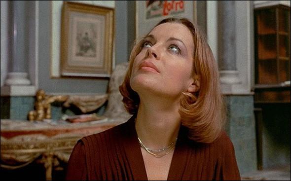 """En 1975 sort """"L'important c'est d'aimer"""", qui lui fera remporter son premier César de la meilleure actrice. Qui l'a réalisé ?"""